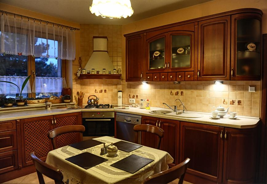 Kuchnie klasyczne  Meble kuchenne śląsk -> Kuchnie Drewniane Tychy